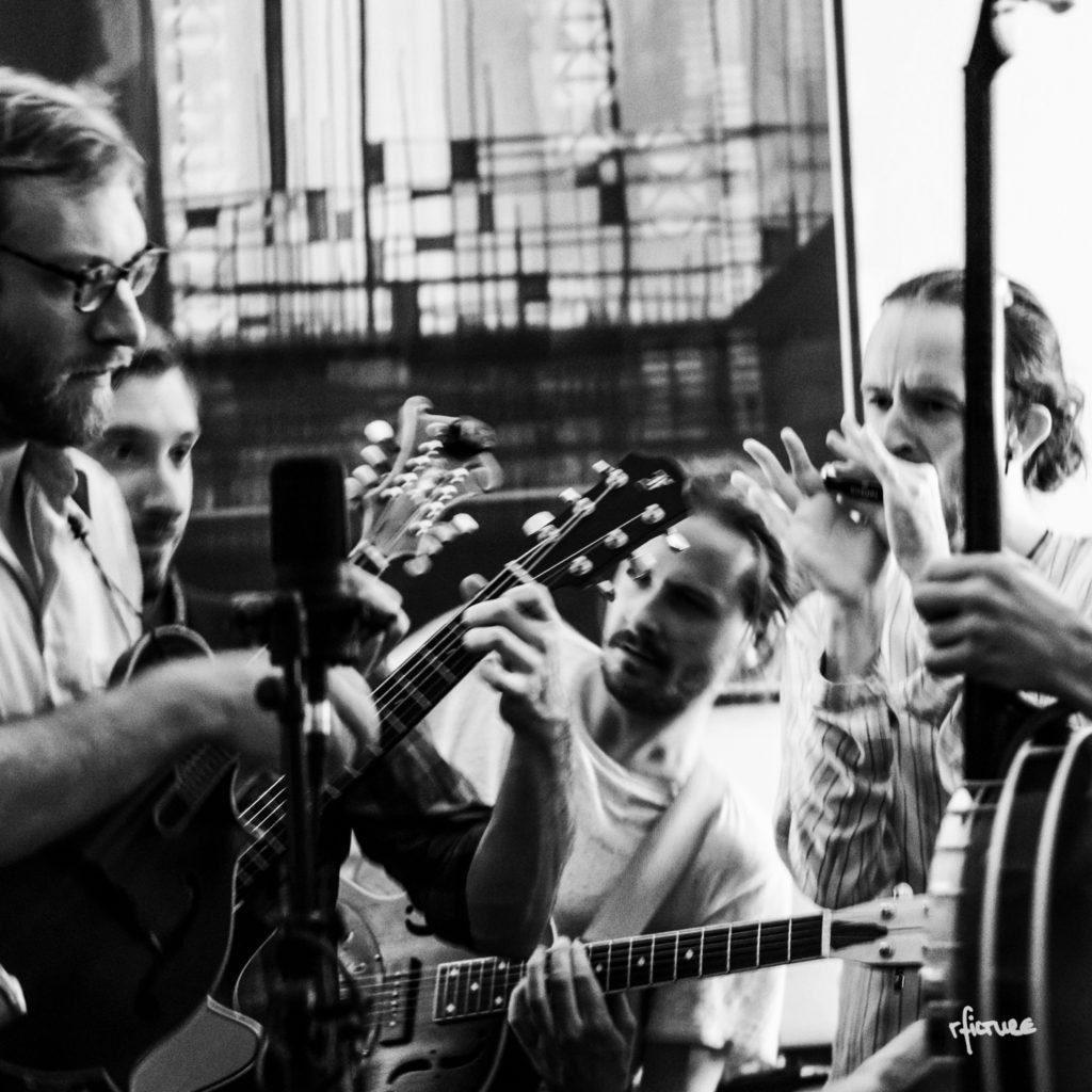 concert photography konzert dresden reiko fitzke rficture chris farnaby voltz brothers bluegrass tom stephen neustadt fiete behnersens cake
